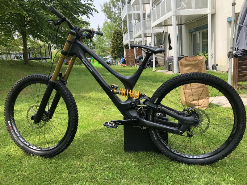 Specialized Demo 8 Carbon L Top Zustand
